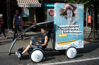 Vichy vandens parko reklamine kampanija, reklaminis velomobilis, reklamos masinos, advertising bike, promobike